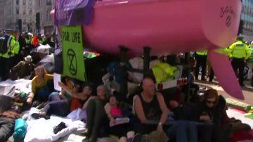 La policía de Londres detiene a más de 500 protestantes contra el cambio climático