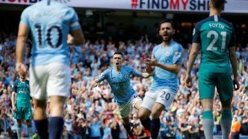 Phil Foden celebra su gol ante el Tottenham