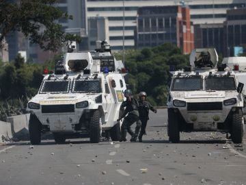 Tanquetas de la Guardia Nacional Bolivariana
