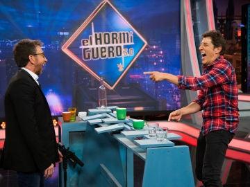 El intenso duelo entre Manel Fuentes y Pablo Motos termina con 'piques' y sin un claro ganador en 'El Hormiguero 3.0'