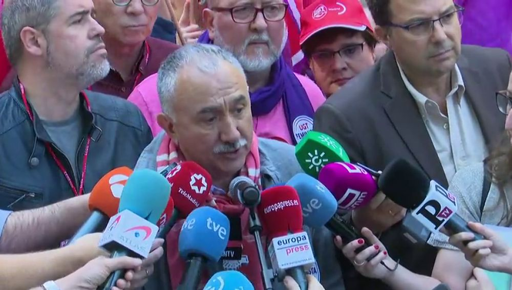 Los sindicatos salen a la calle para reivindicar derechos y pedir la unión de las izquierdas
