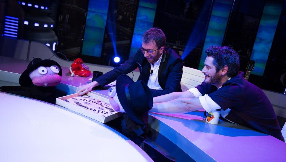 Trancas y Barrancas retan a Antonio Pagudo a una ouija en 'El Hormiguero 3.0'