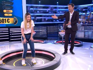 El gracioso momento de Laura, en '¡Ahora caigo!', antes de caer por la trampilla