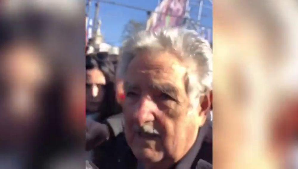 """Mujica sobre los venezolanos atropellados: """"No hay que ponerse delante de una tanqueta"""""""