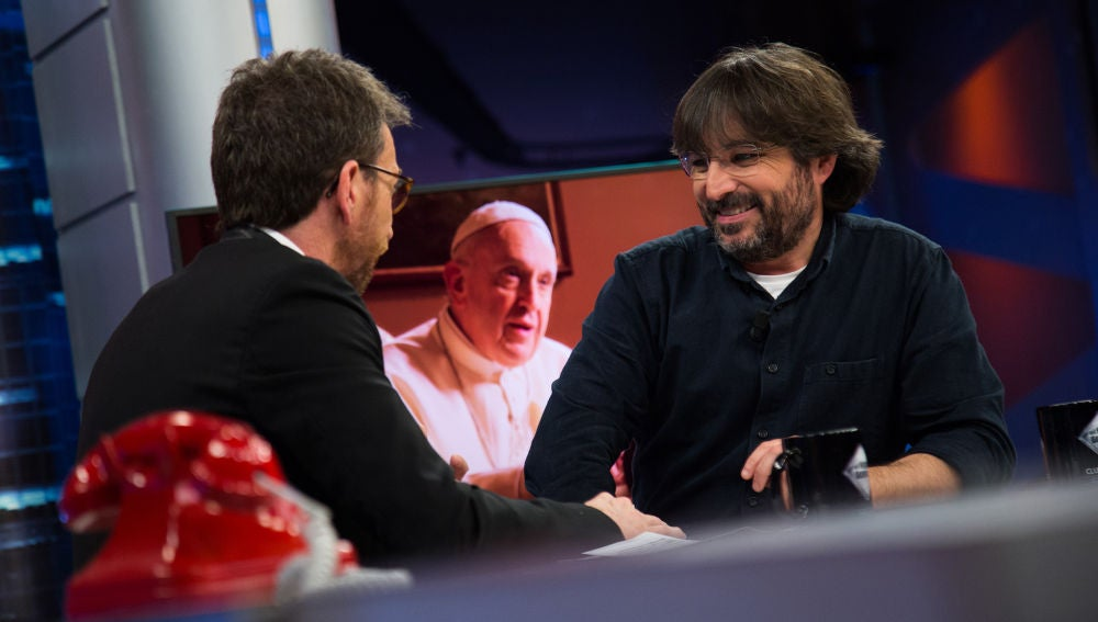 """""""Me puse a llorar"""", Jordi Évole cuenta en 'El Hormiguero 3.0' cómo descargó la tensión tras la entrevista al Papa Francisco"""