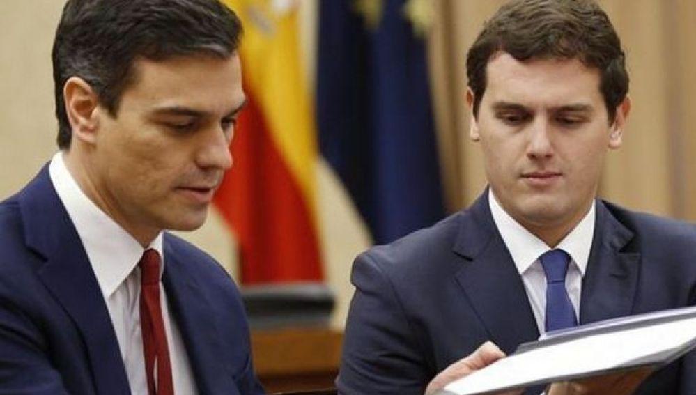 Pedro Sánchez y Albert Rivera_643x397