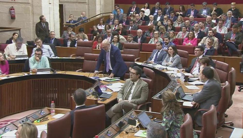 Andalucía en medio del fuego cruzado entre PP y Vox
