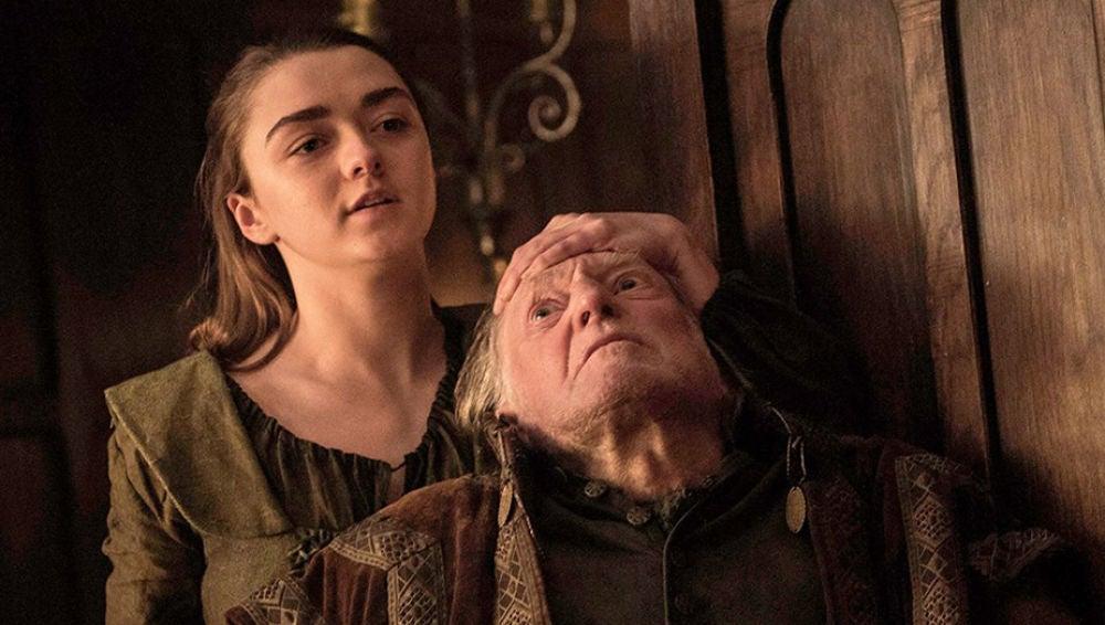Escena en la que Arya mata a Walder Frey en 'Juego de Tronos'