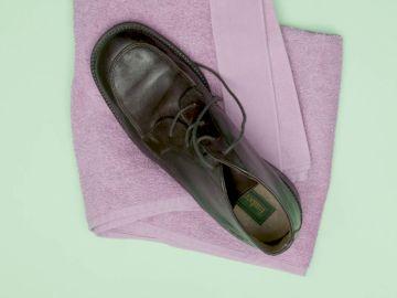 Truco para ensanchar zapatos de piel apretados