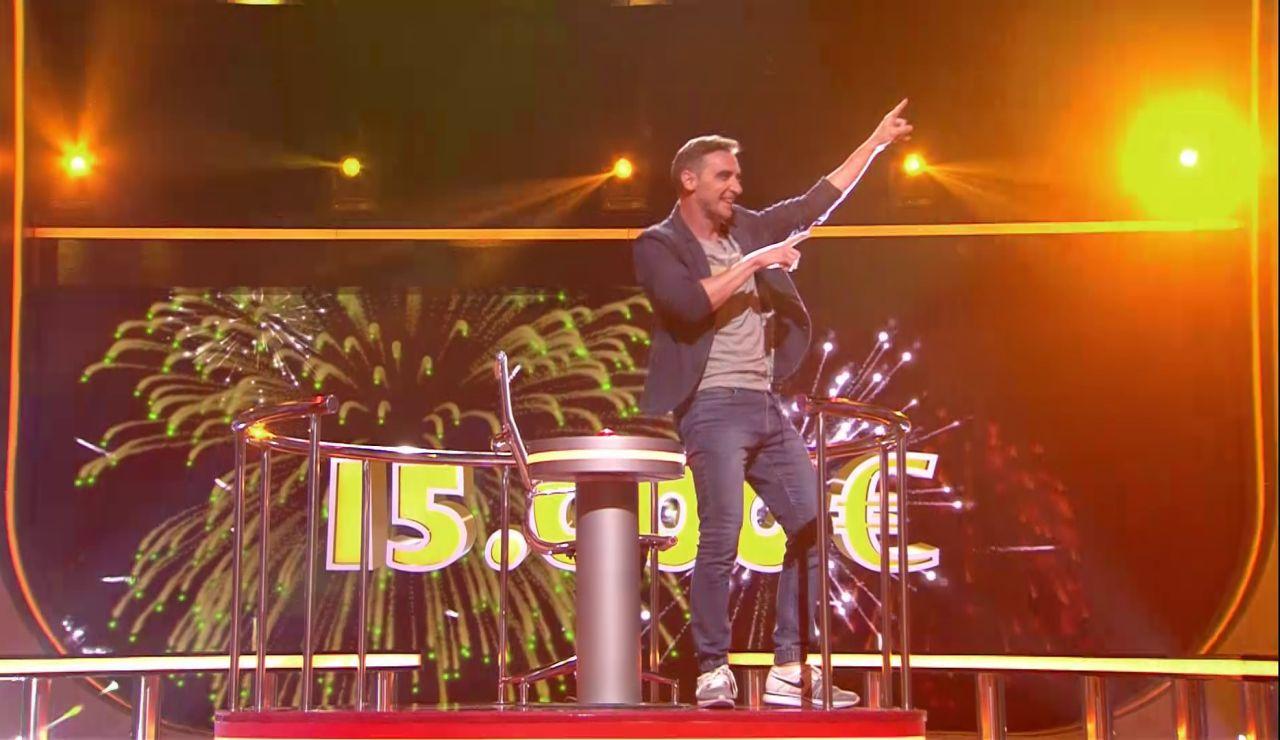 José gana 15.000 euros en 'Juego de juegos' al reconocer a los famosos con gafas