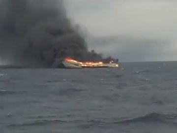 El incendio declarado en el barco