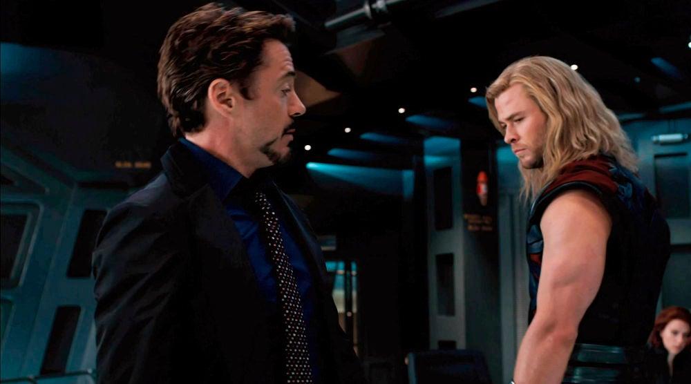 Tony Stark y Thor en 'Vengadores'