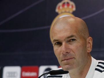 El técnico francés, Zinedine Zidane, en rueda de prensa