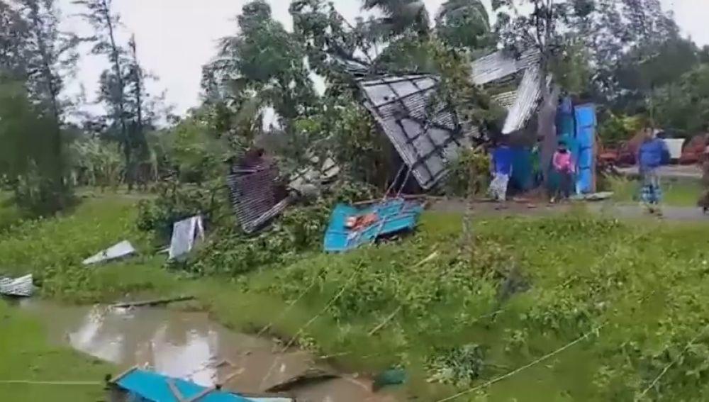 REEMPLAZO El ciclón 'Fani' causa al menos 37 muertes en India y Bangladesh
