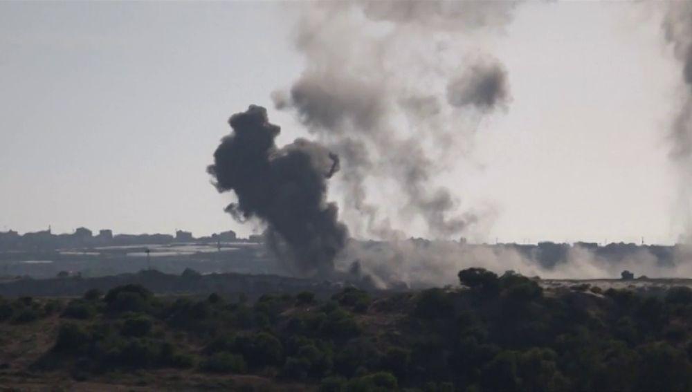 """El primer ministro de Israel, Benjamin Netanyahu, ordena que continúen los """"ataques masivos"""" contra la milicias de la Franja de Gaza"""
