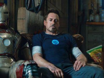 Robert Downey Jr es Tony Stark