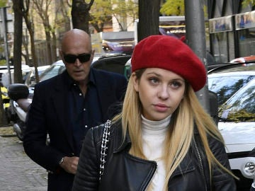 Anita Matamoros junto a su padre Kiko Matamoros