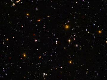 La foto de 16 años en la que aparecen 265.000 galaxias