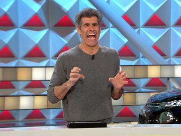 Jorge Fernández imita la reacción de una concursante al caer en 'Se lo doy'
