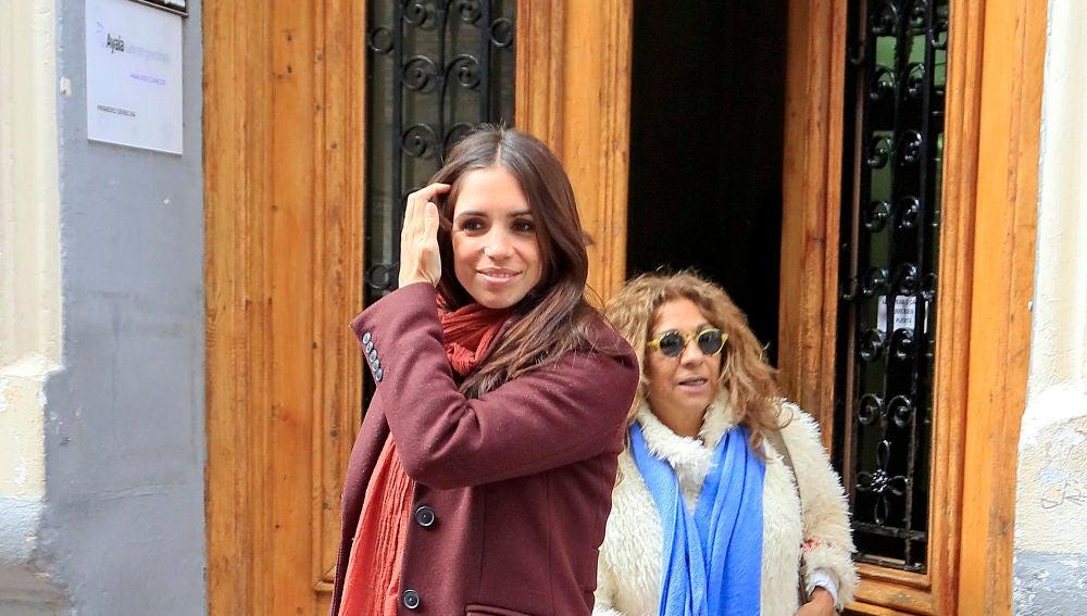 Elena Furiase junto a su madre Lolita Flores