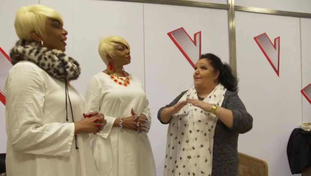 El relajante consejo de La Tata a Anne y Annis Peters para superar los nervios en 'La Voz Senior'