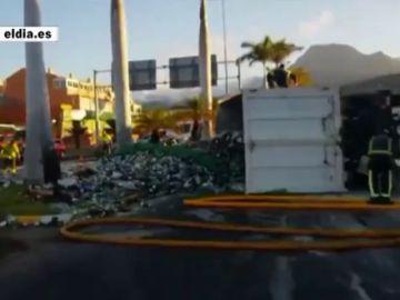 Caos en la TF1 por el vuelco de un camión de residuos