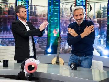 Imanol Arias se convierte en el campeón indiscutible de 'la liga de no parpadear' de 'El Hormiguero 3.0'