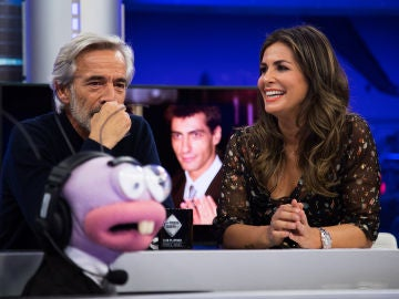 Nuria Roca repasa en 'El Hormiguero 3.0' los titulares falsos en las redes sociales sobre Pablo Motos