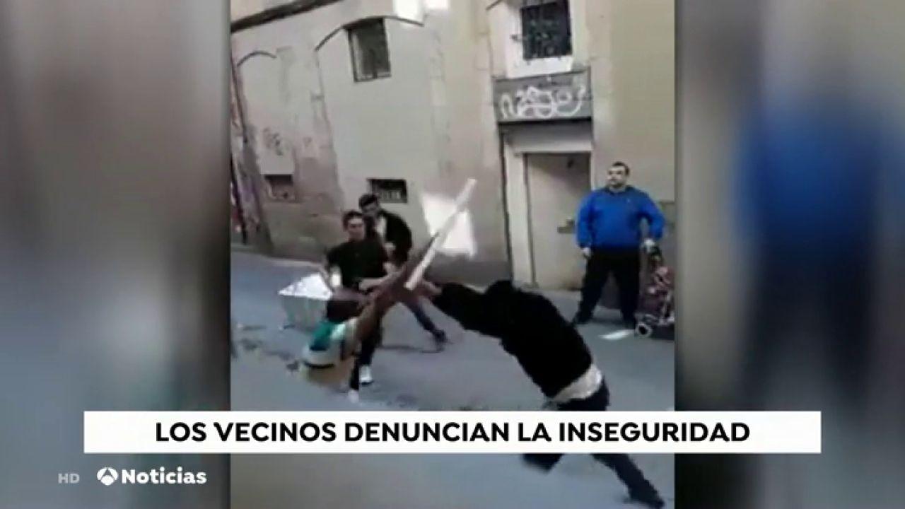 El Barrio Del Raval Vuelve A Ser Escenario De Peleas