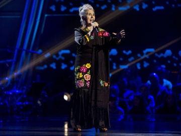 Carmen Blanco canta 'El último trago' en las Audiciones a ciegas