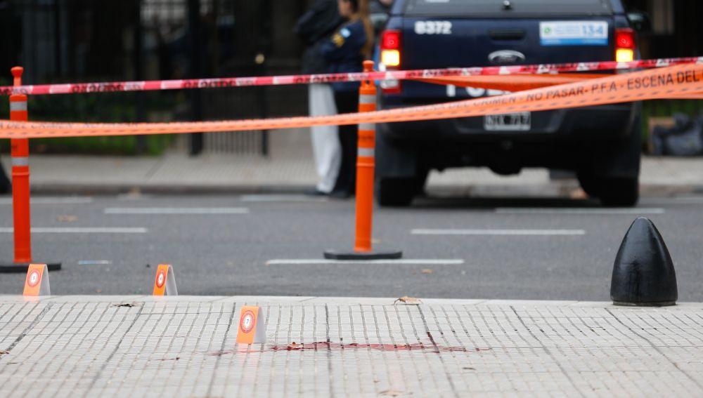 Tirotean al diputado Héctor Olivares y matan a su asesor frente al Congreso argentino