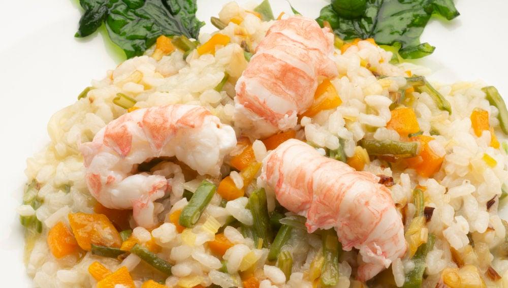 Arroz con verduras y cigalitas