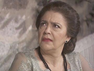 Mauricio informa a Francisca de que ha caído en una trampa