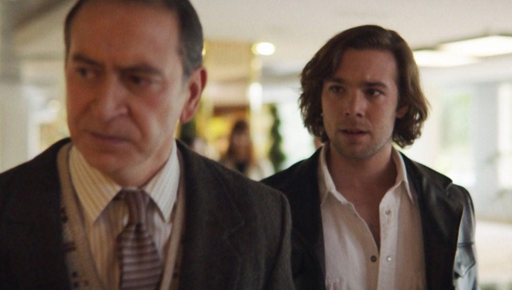 El tenso reencuentro entre Robert y su padre