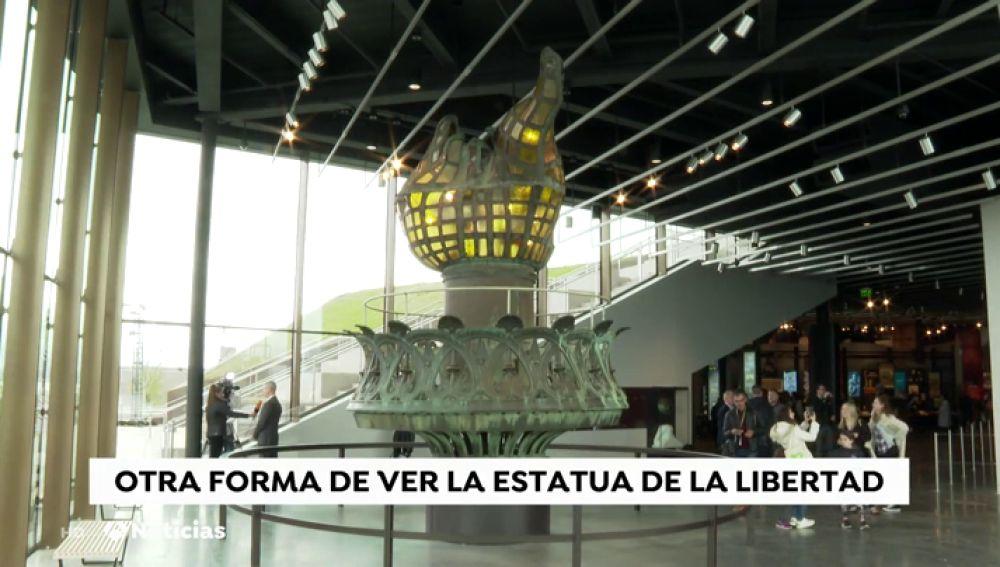 La antorcha original de de la Estatua de la Libertad vuelve a lucir en el primer museo sobre el monumento