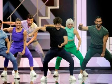 Miki Núñez interpretando La Venda en Eurovisión