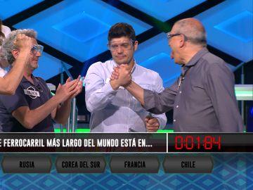 Alberto, del equipo de 'Los Lobos', clarividente en su programa número 100