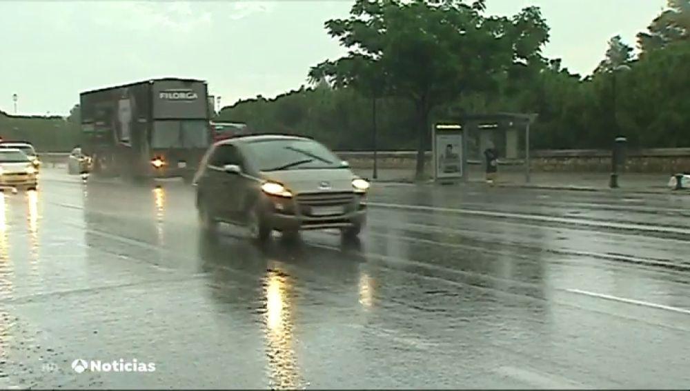 Una fuerte tormenta causa numerosos destrozos en Jumilla, Murcia