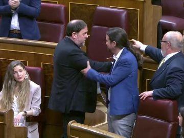 La entrada de los políticos presos al Congreso: así ha sido el saludo de Junqueras