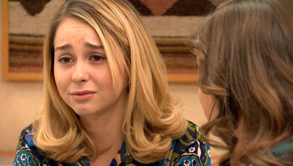 Luisita, muy preocupada por Amelia renuncia a su trabajo para cuidarla