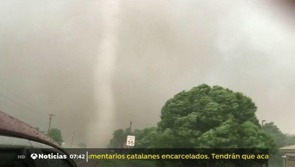 Varios tornados azotan los estados de Texas y Oklahoma