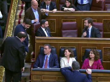 La conversación entre Pedro Sánchez y Oriol Junqueras en el Congreso