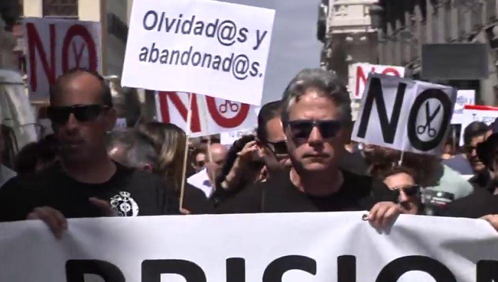 Los funcionarios de prisiones reclaman la equiparación con los de Cataluña