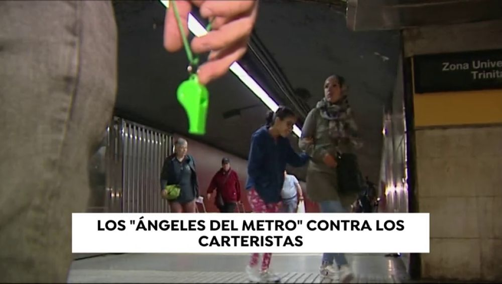 Una patrulla ciudadana declara la guerra a los carteristas en el metro de Barcelona