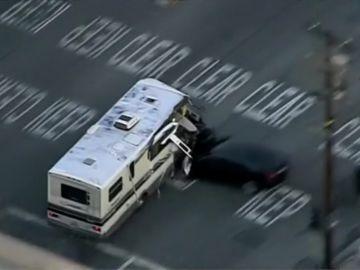 La autocaravana huyendo de la policía
