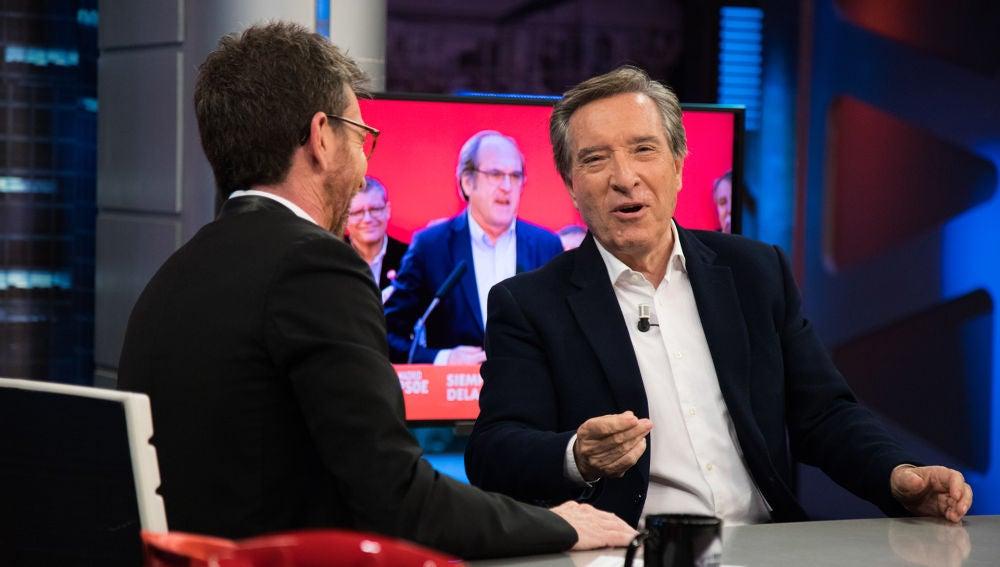 ¿Sería capaz Iñaki Gabilondo de hacer una entrevista incómoda a su hermano Ángel, candidato del PSOE a la Comunidad de Madrid?