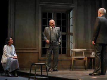 Los actores Malena Gutiérrez, Emilio Gutiérrez Caba y Carlos Hipólito