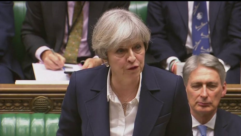 La prensa británica dice que May puede anunciar su dimisión mañana