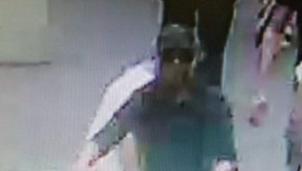 Imagen del sospechoso del ataque en Lyon