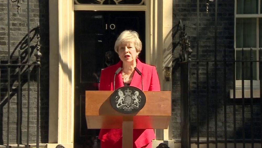 Theresa May anuncia su dimisión para el 7 de junio